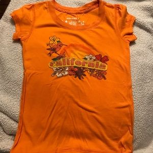Girls orange T-shirt with California logo..medium